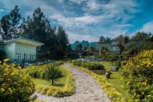 Amakoro Songa Lodge, just outside Volcanoes National Park